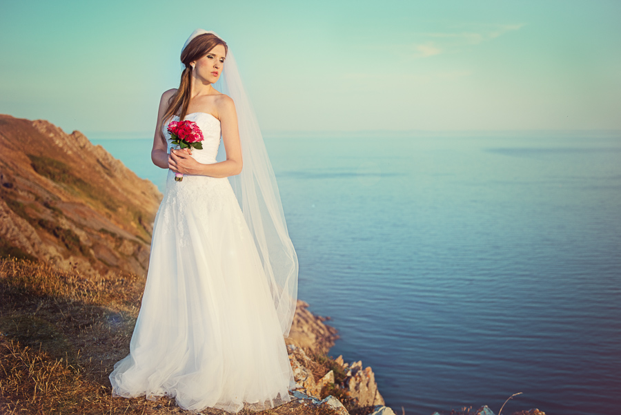 BRIDAL OUTDOOR SESSION - THREE CLIFFS BAY, GOWER, SWANSEA WEDDING PHOTOGRAPHER- Wedding photographers south wales, -7