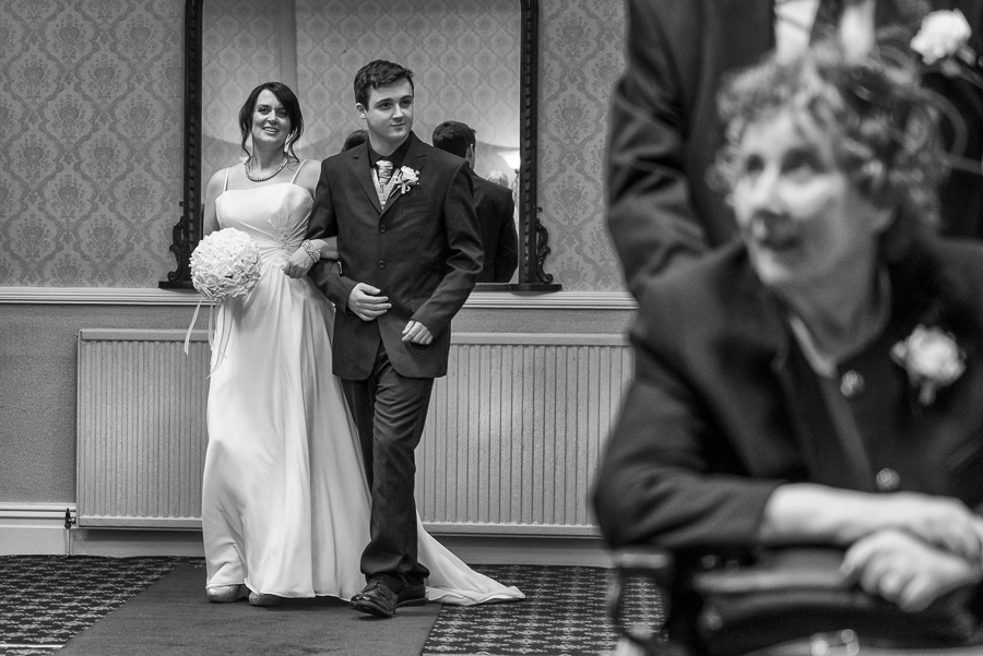 Neath Wedding Photograpger, swansea wedding photographers, castle hotel neath wedding-20