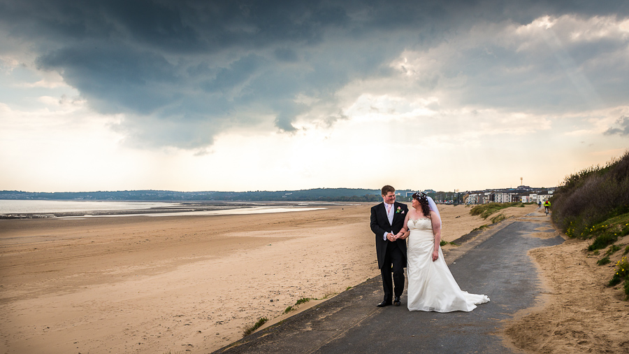 Stacey Amp Johns Wedding In Tree Tops Country Club Swansea Swansea Wedding Photographers