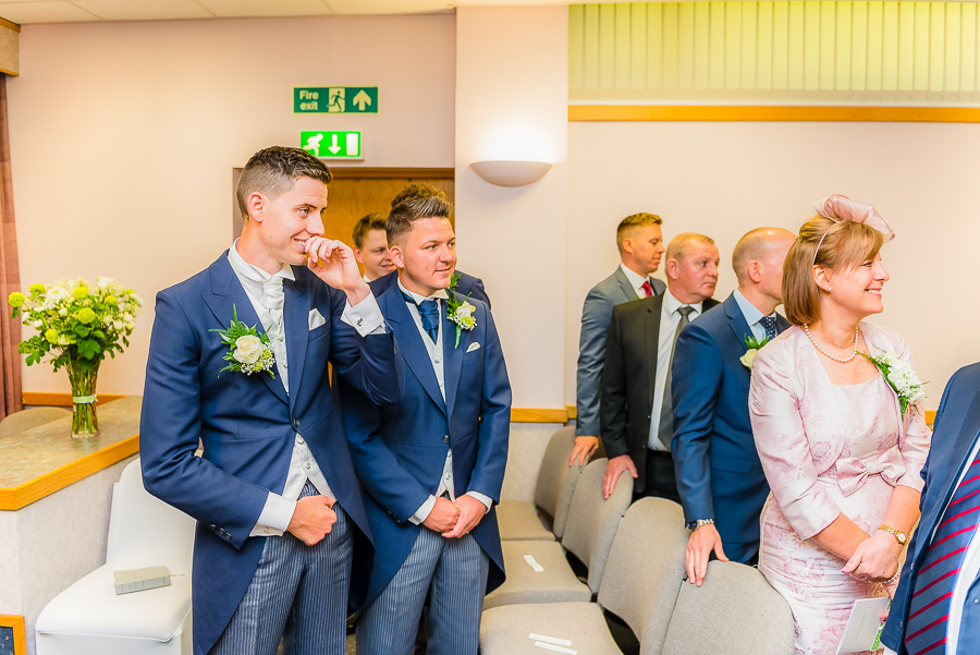 morgans-hotel-swansea-Wedding-photographer-Marina-101