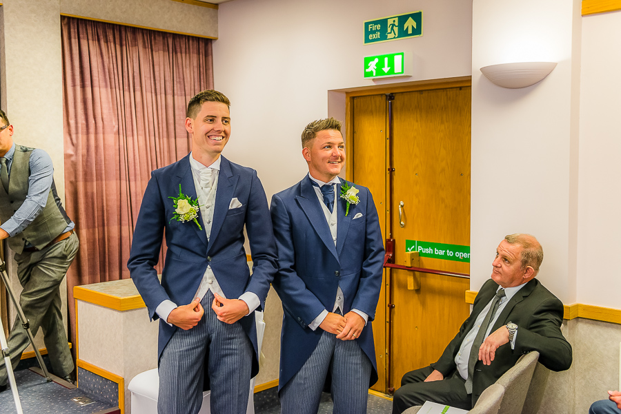 morgans-hotel-swansea-Wedding-photographer-Marina-90