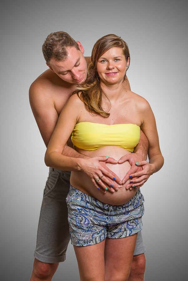 pregnancy photo session swansea photographer-9