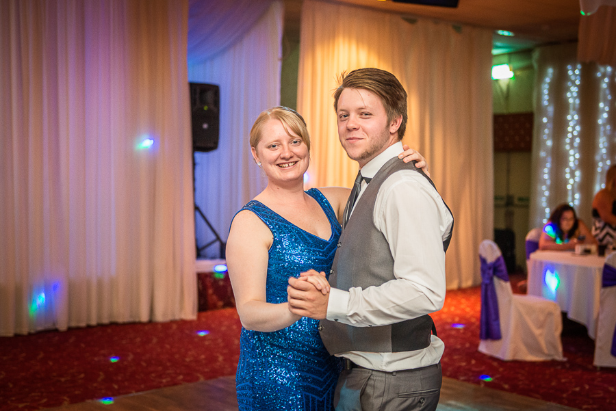 Manor Park Country House wedding photographer swansea clydach-320